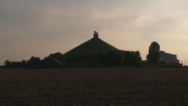 Lion's Mound.