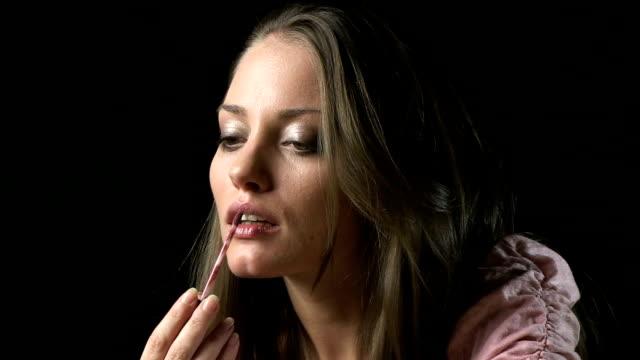 vídeos y material grabado en eventos de stock de gloss de labios - colección de la moda