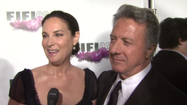 lisa and dustin hoffman talking about her being nominated his favorite scent on lisa and creating her scent at the 2009 fifi awards at new york ny - dustin hoffman video stock e b–roll