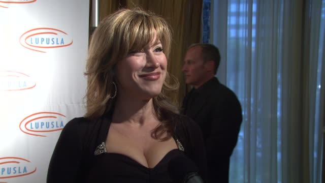 lisa ann walter on the event her new show 'dance your ass off' at the 9th annual lupus la orange ball at beverly hills ca - lupus la orange ball video stock e b–roll