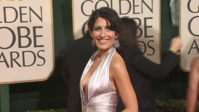 lisa edelstein at the 67th annual golden globe awards arrivals part 3 at beverly hills ca - ゴールデングローブ賞点の映像素材/bロール