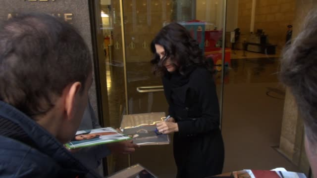 lisa edelstein leaves siriusxm satellite radio signs and poses for photos with fans in celebrity sightings in new york - lisa edelstein stock videos and b-roll footage