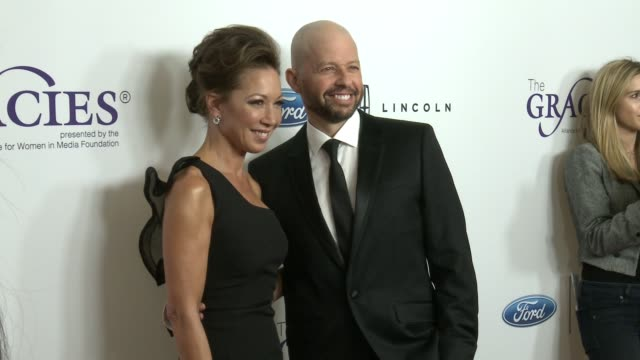 lisa joyner and jon cryer at the 43rd annual gracie awards at the beverly wilshire four seasons hotel on may 22 2018 in beverly hills california - lisa joyner stock videos and b-roll footage