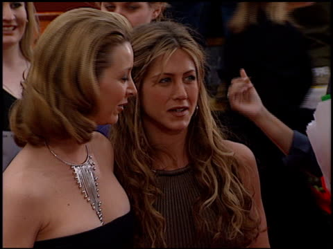 lisa kudrow at the 2000 screen actors guild sag awards arrivals at the shrine auditorium in los angeles california on march 12 2000 - jennifer aniston stock videos & royalty-free footage