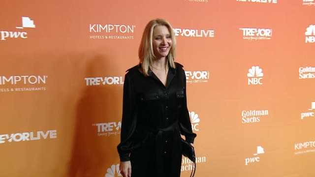 Lisa Kudrow at The Trevor Project's 2017 TrevorLIVE LA Gala in Los Angeles CA