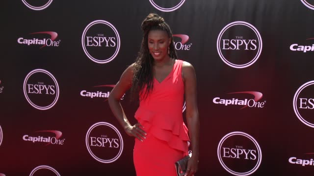 vídeos de stock, filmes e b-roll de lisa leslie at the 2016 espy awards at microsoft theater on july 13 2016 in los angeles california - microsoft theater los angeles