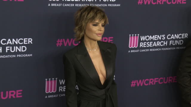 """lisa rinna at the wcrf's """"an unforgettable evening"""" at beverly wilshire, a four seasons hotel on february 27, 2020 in beverly hills, california. - フォーシーズンズホテル点の映像素材/bロール"""