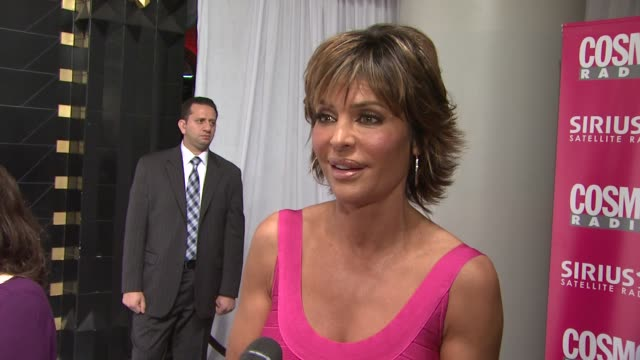 Lisa Rinna talks about what brings her out tonight She talks about remembering her wedding and how she was surprisingly not a bridezilla She talks...