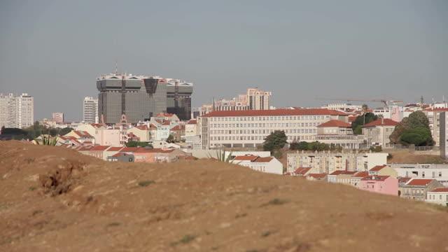 リスボンの眺め - れんが造りの家点の映像素材/bロール