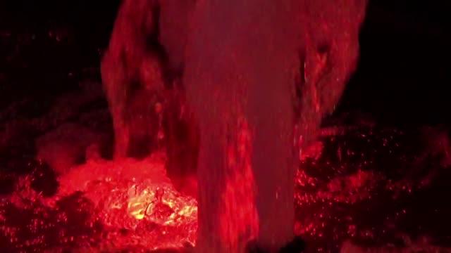 stockvideo's en b-roll-footage met lit fountain - mens gemaakte bouwwerken