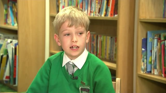 7yearold tom burlison has book published england surrey epsom int tom burlison interview sot general view of book 'the incredible journey' by tom... - litteratur bildbanksvideor och videomaterial från bakom kulisserna