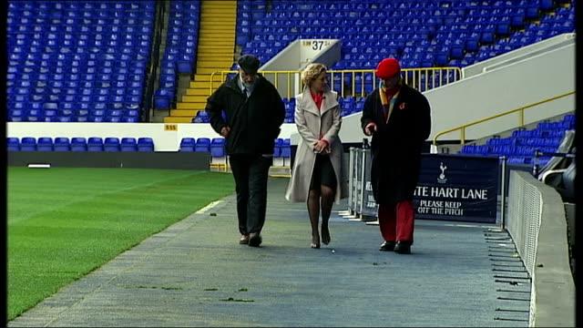 vídeos y material grabado en eventos de stock de interview michael morpurgo on his new book 'medal for leroy' england london white hart lane ext reporter walking at football ground with michael... - michael morpurgo