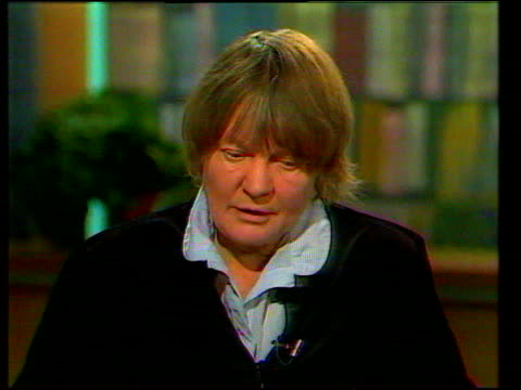 iris murdoch dies aged 79 cr111 london the aldwych dame iris murdoch interview sot talks of her work - aldwych stock videos and b-roll footage