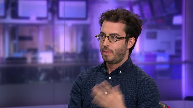 Jonathan Safran Foer ENGLAND London GIR INT Jonathan Safran Foer STUDIO interview SOT on having a 'messy life' on writing about what he knows on the...
