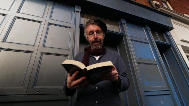 profile of james joyce museums in dublin as voting begins in the irish general election ireland dublin jack walsh interview and reading from james... - james joyce stock-videos und b-roll-filmmaterial
