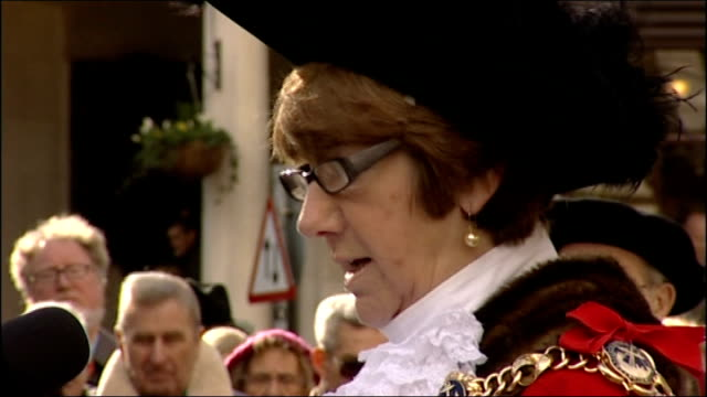 statue of charles dickens unveiled in portsmouth various shots of people addressing crowd sot / statue of charles dickens being unveiled and crowd... - charles dickens stock videos & royalty-free footage