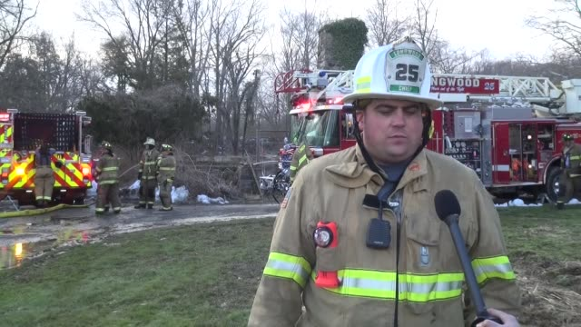 00pm monday chester county 911 center dispatched longwood fire co. and concordville fire co. for a house fire at 4311 creek road in pennsburg,... - pennsylvania stock-videos und b-roll-filmmaterial