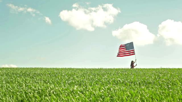 amerikanische mädchen - patriotismus stock-videos und b-roll-filmmaterial