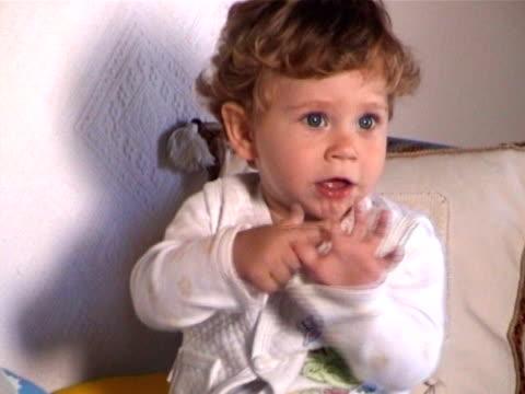 little baby - endast en pojkbaby bildbanksvideor och videomaterial från bakom kulisserna