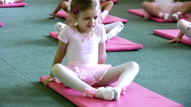 Little ballet dancer (HD)