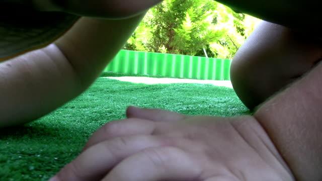 stockvideo's en b-roll-footage met little boy - menselijke vinger