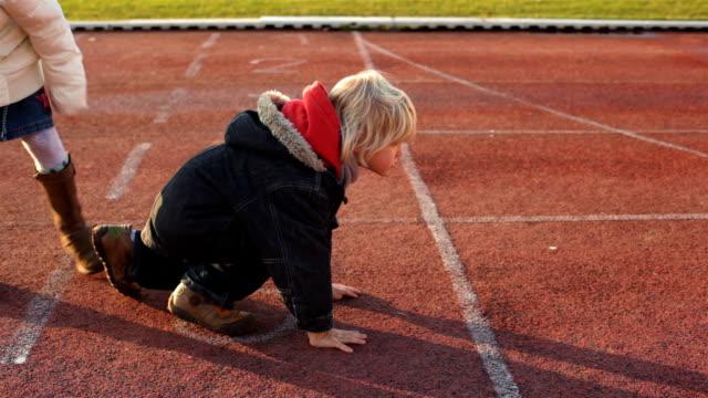 little coach - mut stock-videos und b-roll-filmmaterial