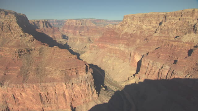 stockvideo's en b-roll-footage met ws aerial little colorado river toward confluence at zuni point corridor in grand canyon south rim / arizona, united states - zuni