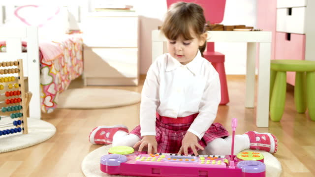 HD DOLLY: Little Girl Creating Music