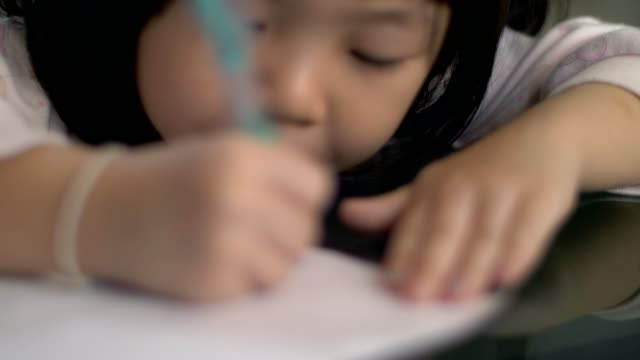 cu : little girl(4-5 years) doing homework for school - diary stock videos & royalty-free footage