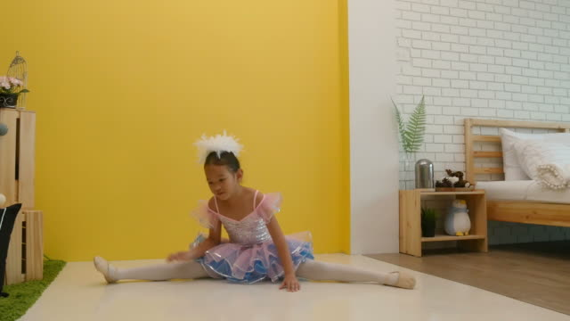 little girl practice ballet at home - barre stock videos and b-roll footage