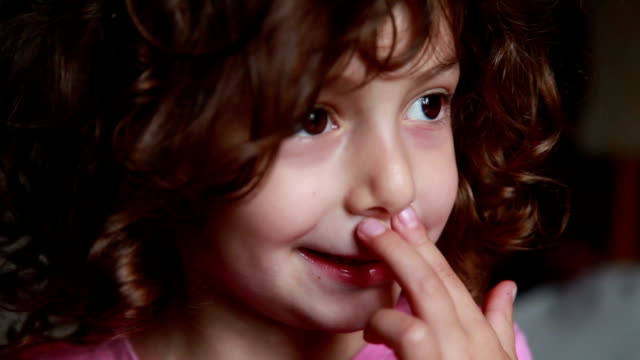 little girl rubbing nose - strofinare toccare video stock e b–roll
