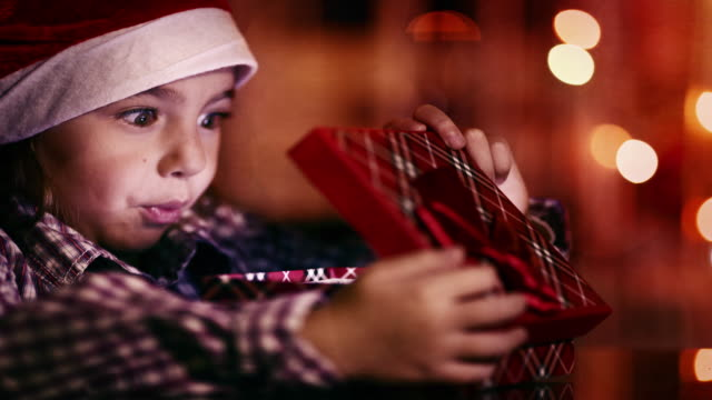 little girl with gift - regalo di natale video stock e b–roll
