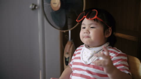 little girl(2-3 years) with sunglasses - 2 3 years stock videos & royalty-free footage