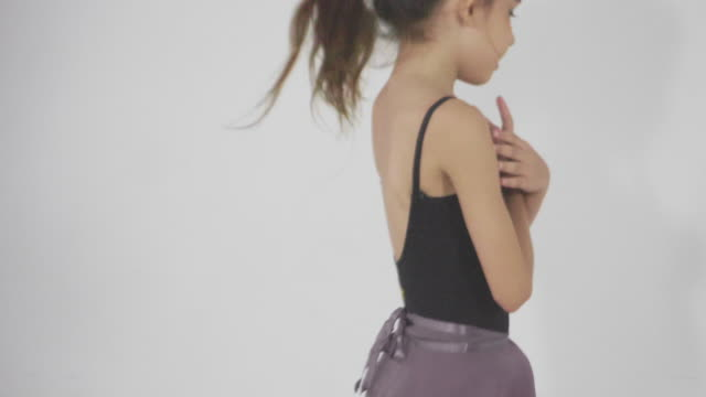 little girls in ballet class - rehearsal stock videos & royalty-free footage
