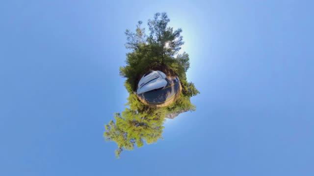 stockvideo's en b-roll-footage met weinig planeet - auto in de aard - heuvellandschap