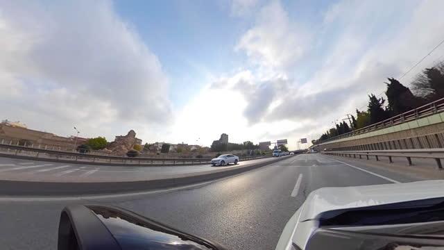 vídeos y material grabado en eventos de stock de pequeño planeta - coche en las calles - panorámica