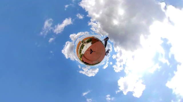 stockvideo's en b-roll-footage met little planet cloudscape timelapse - aspiraties