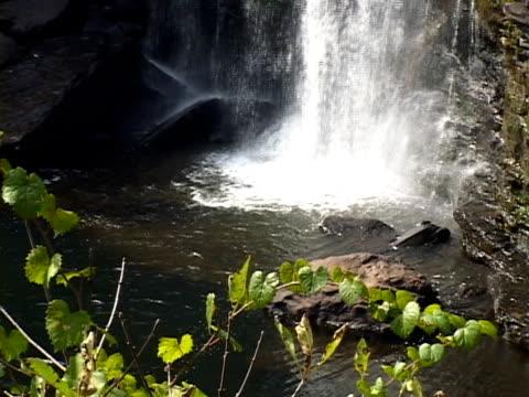 stockvideo's en b-roll-footage met little river falls - kei