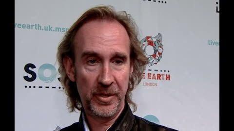 live earth concerts take place around the world; int mike rutherford interview sot - all about raising global awareness gary lightbody interview sot... - マイク ラザーフォード点の映像素材/bロール