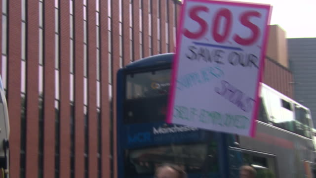 live events workers in manchester protesting against the loss of jobs due to coronavirus restrictions - banner sign stock videos & royalty-free footage