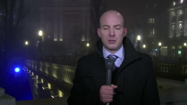 vídeos y material grabado en eventos de stock de hd: informe en vivo en el distrito financiero de la - crisis