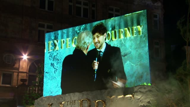 live screens at 'the hobbit' uk premiere and royal film performance at odeon leicester square on december 12, 2012 in london, england. - the hobbit stock videos & royalty-free footage