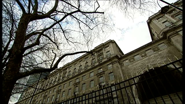 alan johnson mp interview sot disappointed there continues to be implied criticism of the security service / don't condone torture or mistreatment - イギリス情報局保安部点の映像素材/bロール