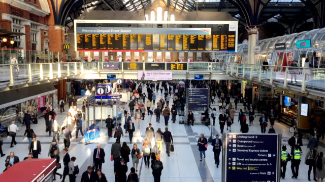 liverpool street station full of people - public transport stock videos & royalty-free footage