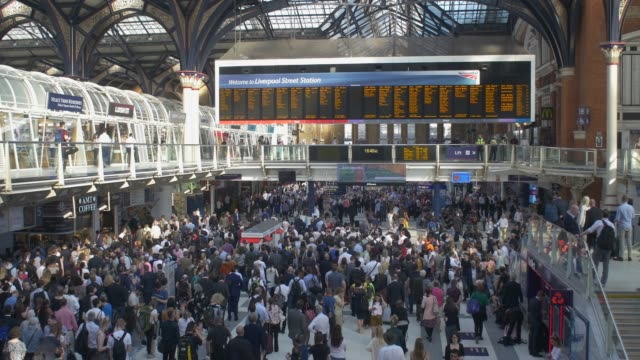 liverpool street station interior - crowded stock videos & royalty-free footage