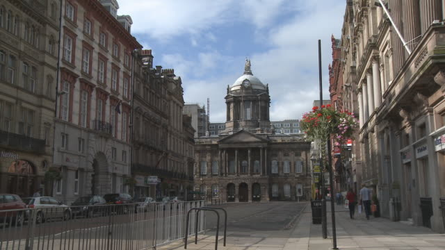 ws, liverpool town hall, liverpool, england - anno 2008 video stock e b–roll