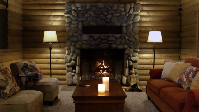 stockvideo's en b-roll-footage met living room of a log cabin - huis interieur