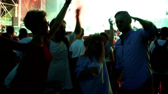 友達と祭りの生活 - 灯台船点の映像素材/bロール