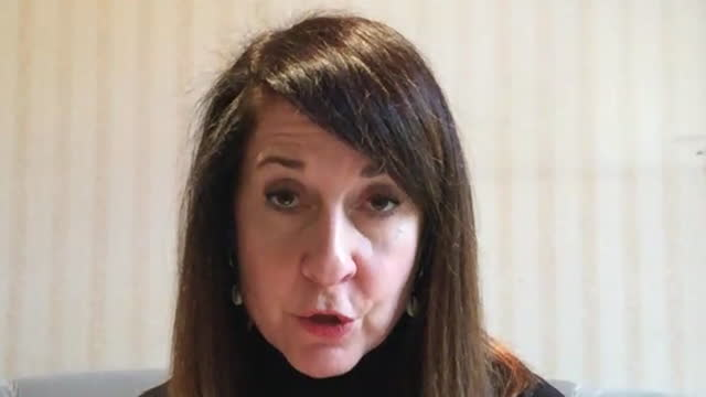"liz kendall saying ""we need to see clearer and firmer leadership from the prime minister"" over coronavirus - transparent stock videos & royalty-free footage"