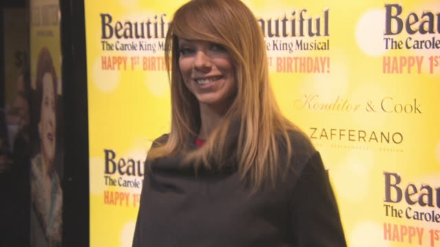 liz mcclarnon at beautiful-the carole king musical's birthday celebrations at aldwych theatre on february 23, 2016 in london, england. - リズ・マクラーノン点の映像素材/bロール